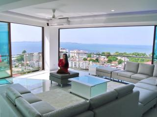 Penthouse Superluxury 3-5 bedrooms, 300 m2 Seaview - Pattaya vacation rentals