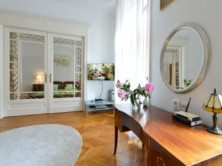 City center,for4,free WI-FI,A/C,families welcome - Budapest vacation rentals
