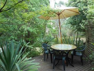 Merrimeet Cottages - Riverdeck Cottage - Bright vacation rentals