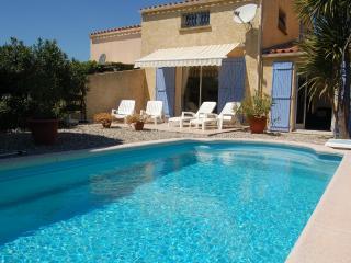 Charming Condo with Balcony and Private Outdoor Pool in Marseillan - Marseillan vacation rentals