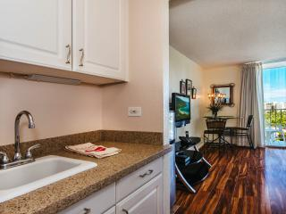 Vacation Rental: Inn on the Park 1607 - Honolulu vacation rentals