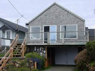 Cozy 2 bedroom House in Yachats with Deck - Yachats vacation rentals