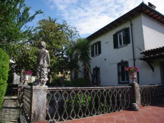 Antica Magnolia, Charming Residence - Capezzano Pianore vacation rentals