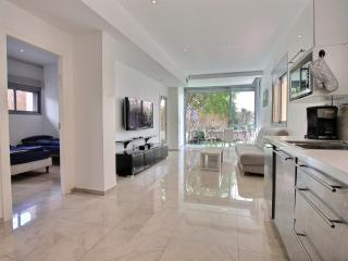 Beautiful 2 BD with garden - Jaffa vacation rentals