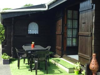 Bright 2 bedroom Chalet in Ruca with A/C - Ruca vacation rentals