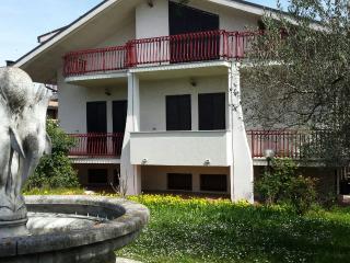 Appartamento nella villa più bella a 4 km dal mare - Treglio vacation rentals