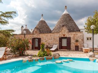 Villa Anna –  with splash pool– sleeps 8 - Ostuni vacation rentals