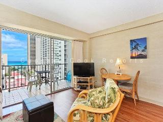 Ocean View plus central A/C, 5 minute walk to beach! Sleeps 4. - Waikiki vacation rentals