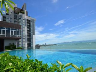 Luxury 1 Bedroom Condo City Centre - Pattaya vacation rentals