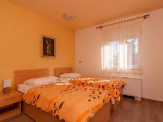Cozy Studio with Internet Access and A/C - Zadar vacation rentals