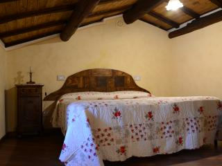 2 bedroom House with Internet Access in Castiglion Fibocchi - Castiglion Fibocchi vacation rentals