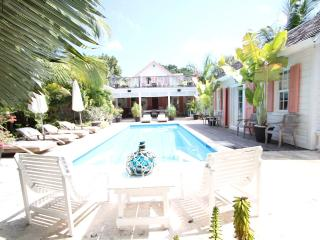 4 bedroom House with Internet Access in Dunmore Town - Dunmore Town vacation rentals