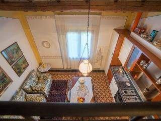 Tognazzi Casa Vacanze - Appartamento L'Arco - Certaldo vacation rentals