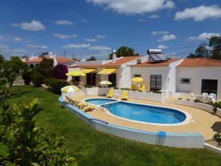 3 bedroom Villa with Internet Access in Pera - Pera vacation rentals