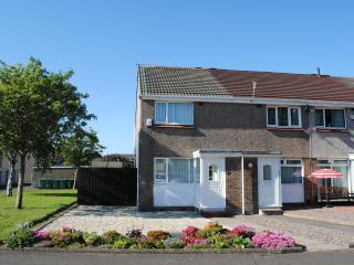 Stunning 2 bedroom house with private garden - Troon vacation rentals