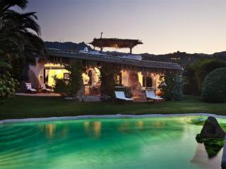 Elegante villa al Piccolo Pevero - Porto Cervo vacation rentals