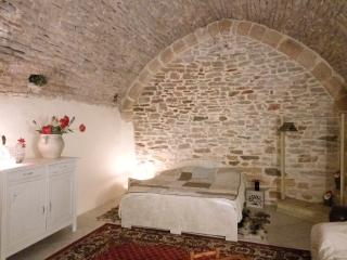 Romantic 1 bedroom Gite in La Canourgue - La Canourgue vacation rentals