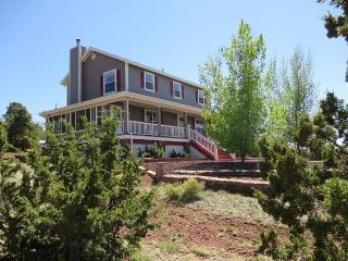 """""""The Big D Ranch"""" On 10 Wooded Acres - Williams vacation rentals"""