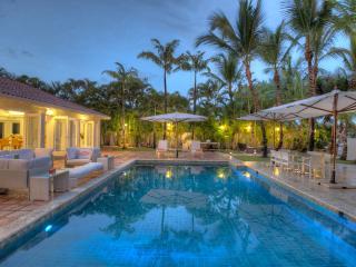 Stunning 8 bedroom Villa near the Beach - Altos Dechavon vacation rentals