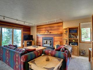 NEW LISTING! TIMBER RIDGE 9: Nice 2 bed/2 bath End Unit, Great Price, Lots of Trails, Clubhouse - Silverthorne vacation rentals