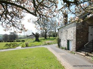 Barn Cottage, Brayford - Barn Cottage - Sleeps 5 - edge of Exmoor - wonderful countryside location - Bratton Fleming vacation rentals
