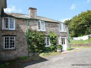 Orchard Cottage, Brayford - Orchard Cottage - sleeps 5 - wonderful countryisde views - Bratton Fleming vacation rentals