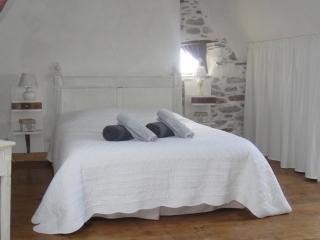 chambre d'hôtes maison peyarnaud - l'authentique - Laborde vacation rentals