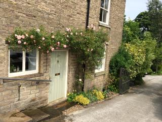 Torr Top Place - Peak District (2-beds by river) - New Mills vacation rentals