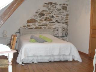 chambre d'hôtes maison peyarnaud-chambréel'effraie - Laborde vacation rentals