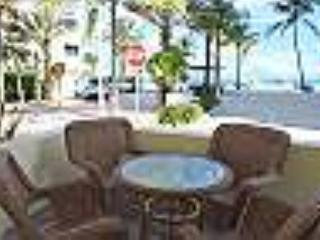 Seabreeze #3 Studio for 3 Across from Hollywood Beach and Boardwalk - Hollywood vacation rentals