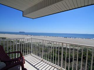 Beach House On The Dune - Unit 444 - Panoramic Views of the Atlantic Ocean - Swimming Pools - Restaurant - FREE Wi-Fi - Tybee Island vacation rentals
