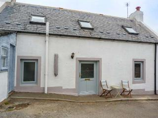 SONAS, semi-detached, woodburner, WiFi, Buckie, Ref 932082 - Buckie vacation rentals