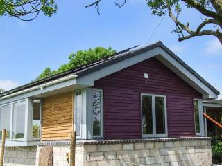 TATAMI, ground floor annexe, king-size bed, decked area, Hatton, Warwick, Ref 936697 - Warwick vacation rentals