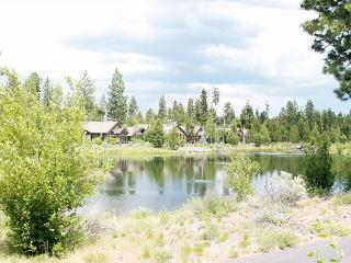 Caldera Springs! Classy and luxurious is the best way to describe this home. - Sunriver vacation rentals