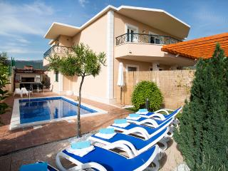 Luxury apartment Sasso with swimming pool - Split vacation rentals