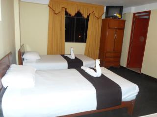 Comfortable 10 bedroom Guest house in Huaraz - Huaraz vacation rentals