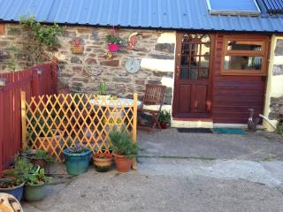 Lovely 1 bedroom Cave house in Puncheston - Puncheston vacation rentals