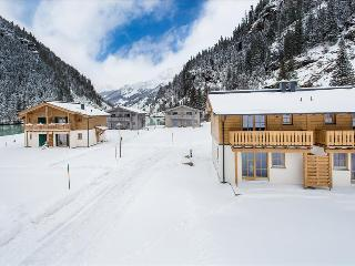 Lodge Ice Crystal at Tauerndorf Enzingerboden lakeview with ski in & out - Uttendorf vacation rentals
