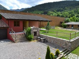 Cozy 2 bedroom Apartment in Bellver de Cerdanya with Television - Bellver de Cerdanya vacation rentals