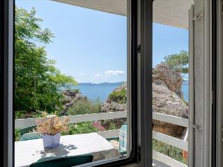 One bedroom apartment 5 meters from the sea - Mimice vacation rentals
