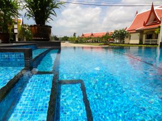 Super Apartment in Idyllic Bang Saray - Sattahip vacation rentals