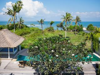 Gorgeous 4 Bedroom facing to the ocean - Canggu - Kuta vacation rentals