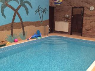 Nice Bed and Breakfast with Internet Access and Private Indoor Pool - Cheltenham vacation rentals