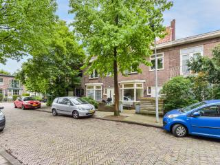 Family House Atjehstraat nearby Centre and Beach - Haarlem vacation rentals