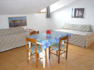 IMPERIA (n.15) - APPARTAMENTO A 100 MT. DAL MARE - Imperia vacation rentals