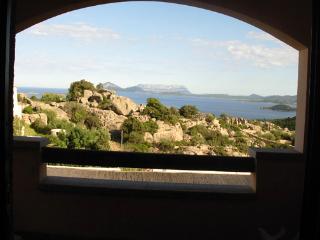 Villetta a schiera con vista sulla Baia - Abbiadori vacation rentals