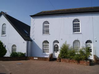 Church Mews, East Cowes, pet friendly holidays - East Cowes vacation rentals
