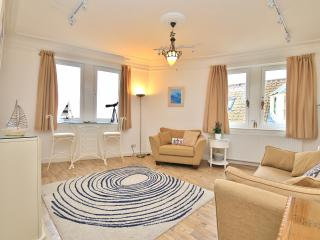 Lovely 2 bedroom Pittenweem Apartment with Internet Access - Pittenweem vacation rentals