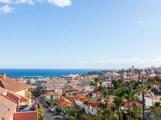 Living Funchal, Rua do Comboio, Funchal 2 bed apart - Funchal vacation rentals