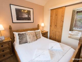 Ty Rosa The Harlech Castle Double Room - Cardiff vacation rentals